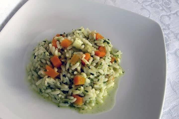 Reissalat mit Putenfleisch